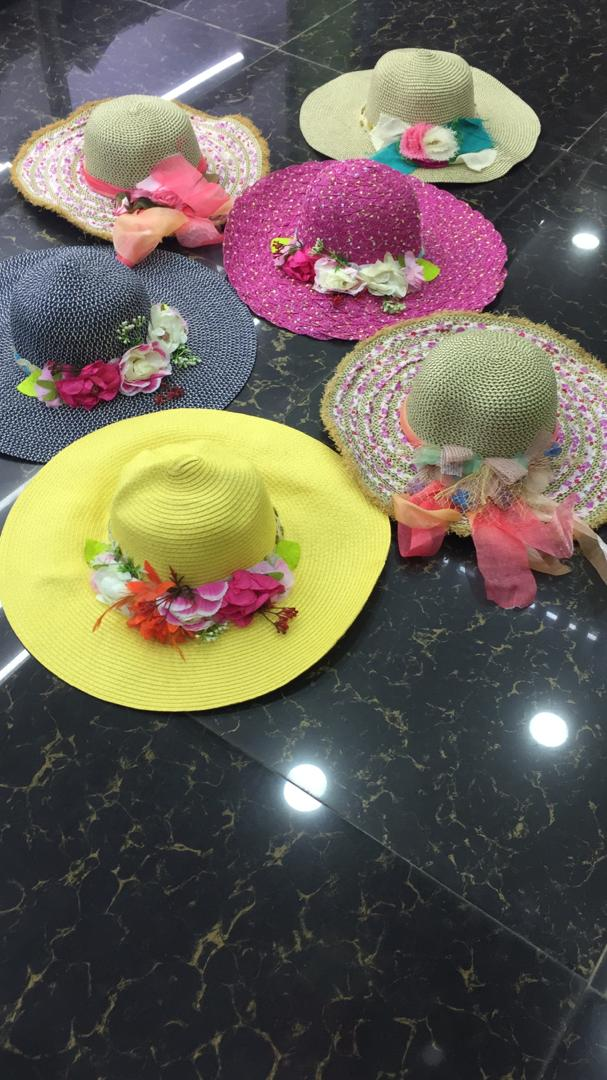 Female hats on SellablesNG