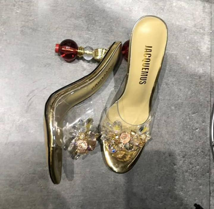 Sexy heeled slippers