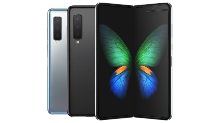 The Samsung Galaxy fold is a bendable futuristic device gives you an opportunity to flaunt a smartphones and tablets, with its 2-in-1 design aesthetics. The Samsung masterpiece folds down to a 4.6-inch outer screen, and folds outwardly to become a 7.3-inch mini-tablet display implemented by a powerful hinge mechanism with multiple interlocking gears built to withstand thousands upon thousands of open-and-close actions